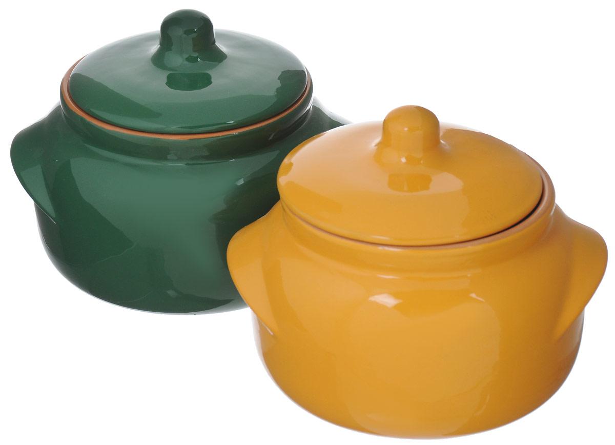Набор горшочков для запекания Борисовская керамика Новарусса, цвет: зеленый, желтый, 500 мл, 2 штРАД14458169_зеленый, желтыйНабор Борисовская керамика Новарусса состоит из 2 горшочков для запекания. Изделия выполнены из высококачественной керамики спокрытием пищевой глазурью. В качестве сырья использована экологически чистая красная глина.Форма горшочка разработана с учетом тысячелетних традиций наших предков. Пористая структура стенки гарантирует эффект запекания. Формакрышки сохраняет тепловой баланс и полезные свойства продуктов, а также препятствует разбрызгиванию продукта и попаданию внутрьпосторонних продуктов. Горшки снабжены небольшими ручками.Такой набор горшочков станет отличным подарком и обязательно пригодится в любом хозяйстве.Посуда жаропрочная. Можно использовать в духовке и микроволновой печи.