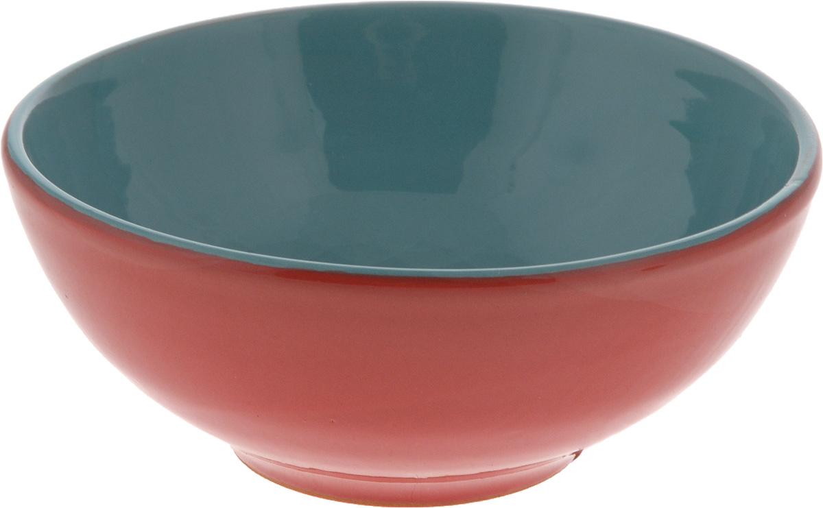 """Салатник Борисовская керамика """"Удачный"""" выполнен из высококачественной керамики с покрытием пищевой глазурью. В качестве сырья использована экологически чистая красная глина. Внешние стенки декорированы оригинальным рисунком в виде листьев. Изделие отлично подходит для подачи первых и вторых блюд, сервировки салатов, закусок, овощей и фруктов.  Такой салатник отлично подойдет для повседневного использования. Он прекрасно впишется в интерьер вашей кухни."""