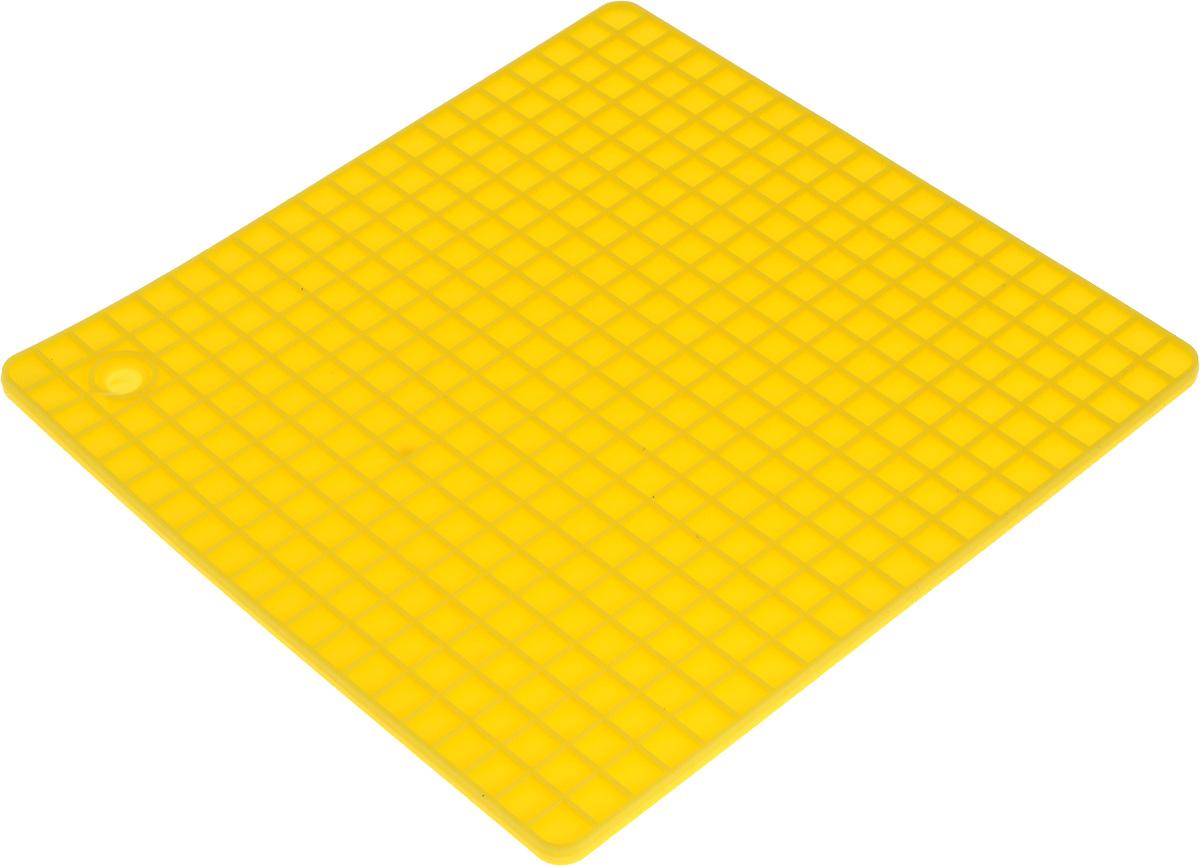 Подставка под горячее Доляна Квадраты, цвет: желтый, 17 х 17 см762760_желтыйСиликоновая подставка под горячее — практичный предмет, который обязательно пригодится в хозяйстве. Изделие поможет сберечь столы,тумбы, скатерти и клеёнки от повреждения нагретыми сковородами, кастрюлями, чайниками и тарелками.Достоинства:- выдерживает температуру до 230°C; - не скользит на деревянных и пластмассовых поверхностях; - легко отмывается; - благодаря современному дизайну украшает интерьер. Пусть ваш дом будет самым уютным!