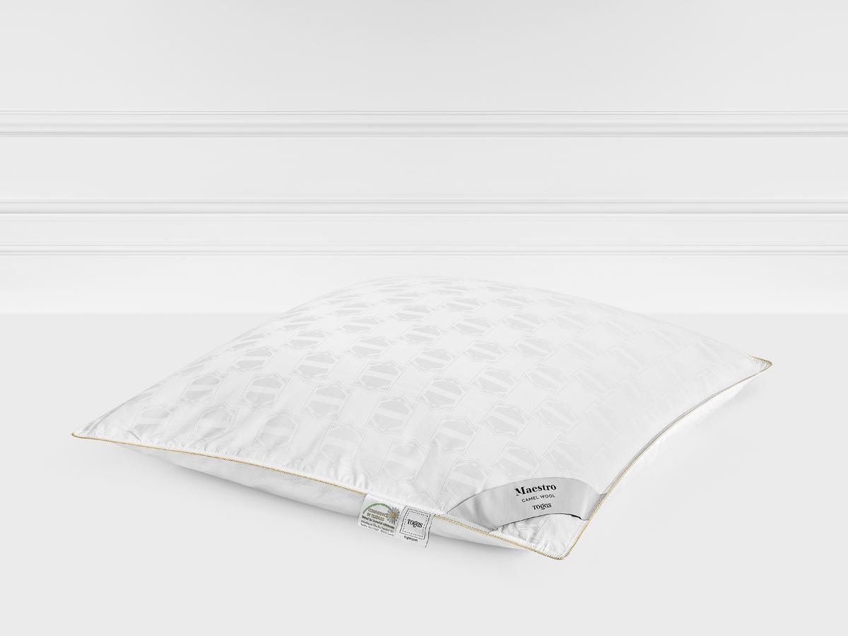 Подушка Togas Маэстро, наполнитель: шерсть, цвет: белый, 50 x 70 см20.05.25.0014Легкая подушка подарит непревзойденные ощущения комфорта и уюта. Она прекрасно сохраняет форму и объем, не деформируется, легкостирается и быстро сохнет. Подушка Togas - лучшее решение для современных квартир. Она одинаково хорошо подойдет как взрослым, так идетям.Состав: чехол: 100% хлопок жаккард 290ТС; наполнитель: 100% верблюжий пух 650 г.