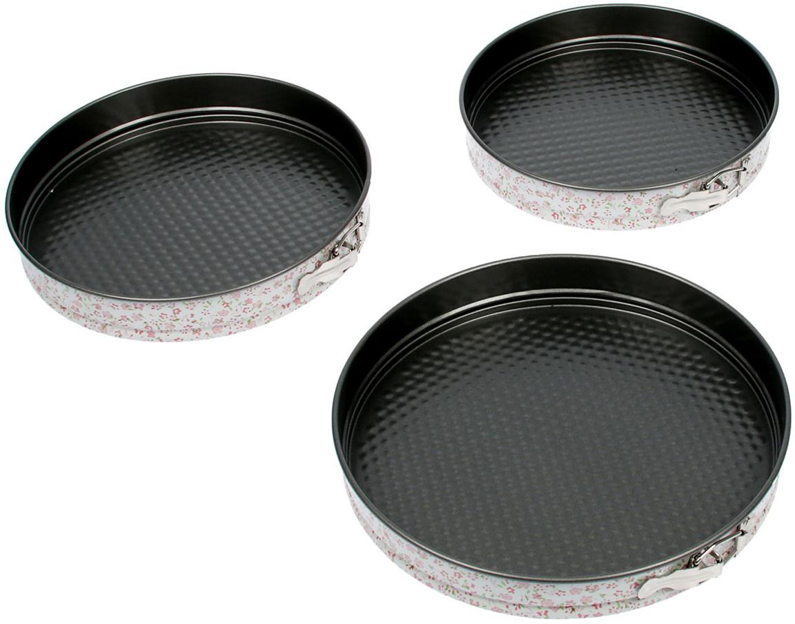 Форма с антипригарным покрытием пригодится каждому повару, который привык готовить быстро и вкусно. Достоинства предмета: Материал — углеродистая сталь — отличается особой прочностью и сохраняет все эксплуатационные свойства при температуре до +450 °С. Эффективное теплораспределение ускоряет процесс готовки. Антипригарное покрытие оберегает блюда от пригорания и сокращает расход масла. Поверхность не впитывает запахов и не вступает в реакции с продуктами питания. Форма легко отмывается. При аккуратном использовании изделие прослужит долгие годы. Рекомендуется избегать применения металлических предметов, губок и высокоабразивных моющих средств. Перед первым использованием тщательно промойте форму.