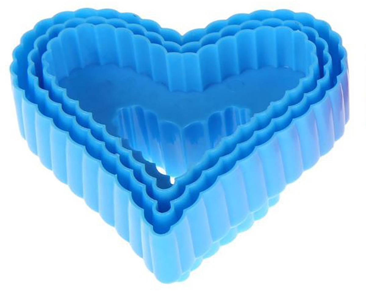 Набор форм для вырезания печенья Доляна Сердце, цвет: голубой, 9 х 9 х 4 см, 3 шт1259099_голубойОт качества посуды зависит не только вкус еды, но и здоровье человека. Набор форм для вырезания печенья 9х9х4 см Сердце, 3 шт, цвета — товар, соответствующий российским стандартам качества. Любой хозяйке будет приятно держать его в руках. С нашей посудой и кухонной утварью приготовление еды и сервировка стола превратятся в настоящий праздник.