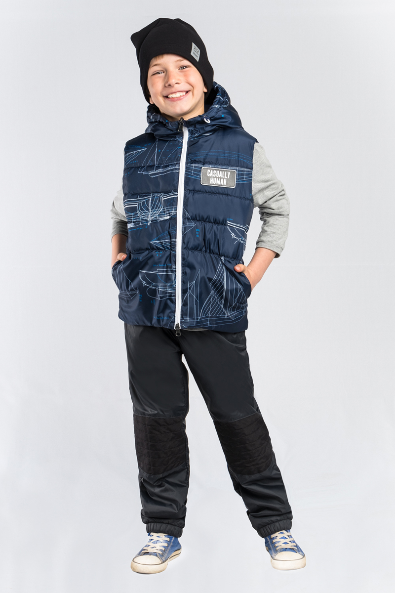 Жилет для мальчика Boom!, цвет: темно-синий. 80036_BOB. Размер 11080036_BOBЖилет для мальчика Boom! выполнен из полиэстера. Модель с капюшоном застегивается на застежку-молнию.