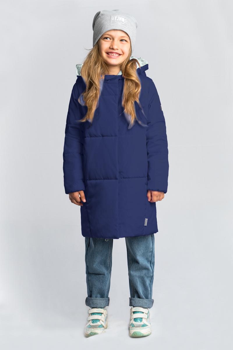 Пальто для девочки Boom!, цвет: темно-синий. 80030_BOG. Размер 12280030_BOGУтепленное пальто Boom! овального силуэта выполнено из практичной износостойкой ткани твил. Особенность модели - объёмный капюшон-воротник.