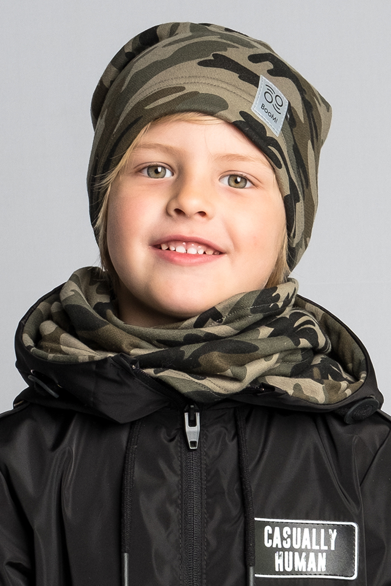 Шапка детская Boom!, цвет: хаки. 80268_BAU. Размер 52/5480268_BAUМягкая и уютная детская шапка Boom! изготовлена из эластичного хлопка. Однотонная модель оформлена нашивкой с логотипом бренда.Размер, доступный для заказа, является обхватом головы ребенка.