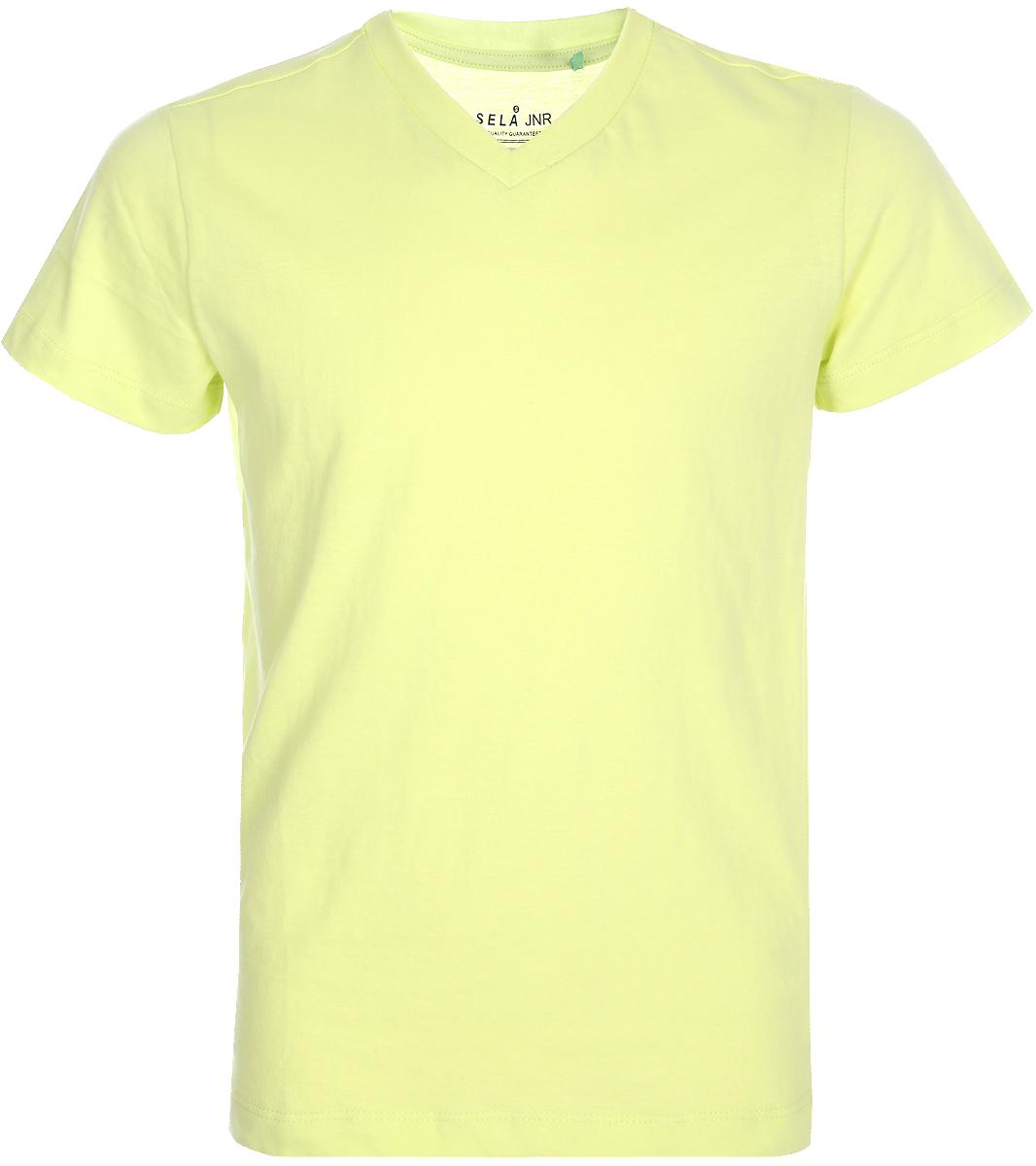 Футболка для мальчика Sela, цвет: желтый. Ts-811/303-8152. Размер 146Ts-811/303-8152Классическая футболка для мальчика Sela станет отличным дополнением к повседневному гардеробу. Модель прямого кроя с короткими рукавами и V-образным вырезом горловины изготовлена из натурального хлопка. Футболка подойдет для занятий спортом, прогулок и дружеских встреч.