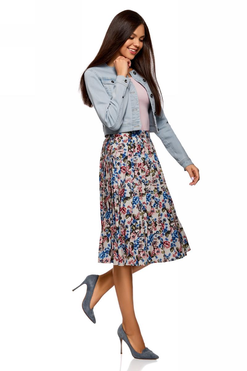 Куртка женская oodji Ultra, цвет: голубой. 11109003-2B/46785/7000W. Размер 36-170 (42-170)11109003-2B/46785/7000WУкороченная джинсовая куртка без воротника с накладными нагрудными карманами застегивается спереди на пуговицы.