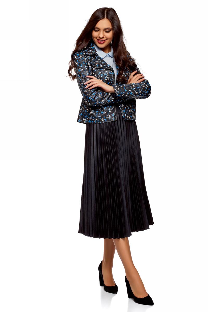 Куртка женская oodji Ultra, цвет: черный, синий. 18A03007-1/48196/2975F. Размер 42-170 (48-170)18A03007-1/48196/2975FЖенская куртка от oodji выполнена из искусственной принтованной кожи. Модель с длинными рукавами застегивается на асимметричную молнию. По бокам дополнена прорезными карманами на молниях.