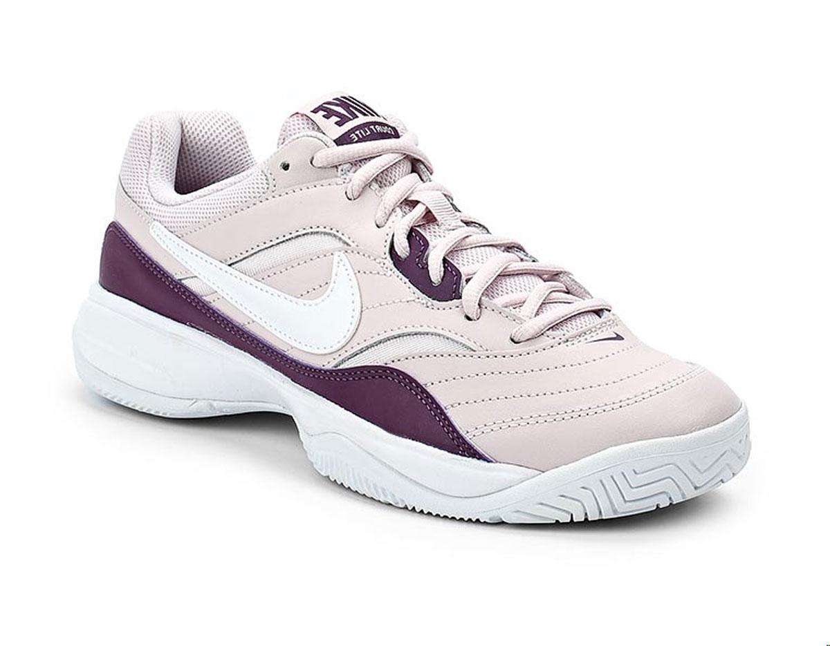 Кроссовки для тенниса женские Nike Court Lite, цвет: светло-розовый, фиолетовый. 845048-651. Размер 8,5 (39)845048-651Женские кроссовки для тенниса Court Lite от Nike, выполненные из натуральной и искусственной кожи, дополнены сетчатыми вставками, которые обеспечивают воздухопроницаемость. Подкладка и стелька из текстиля комфортны при движении. Шнуровка надежно зафиксирует модель на ноге. Подошва из материала Phylon обеспечивает амортизацию без утяжеления. Прочная подметка из резины GDR для игры на кортах с твердым покрытием.