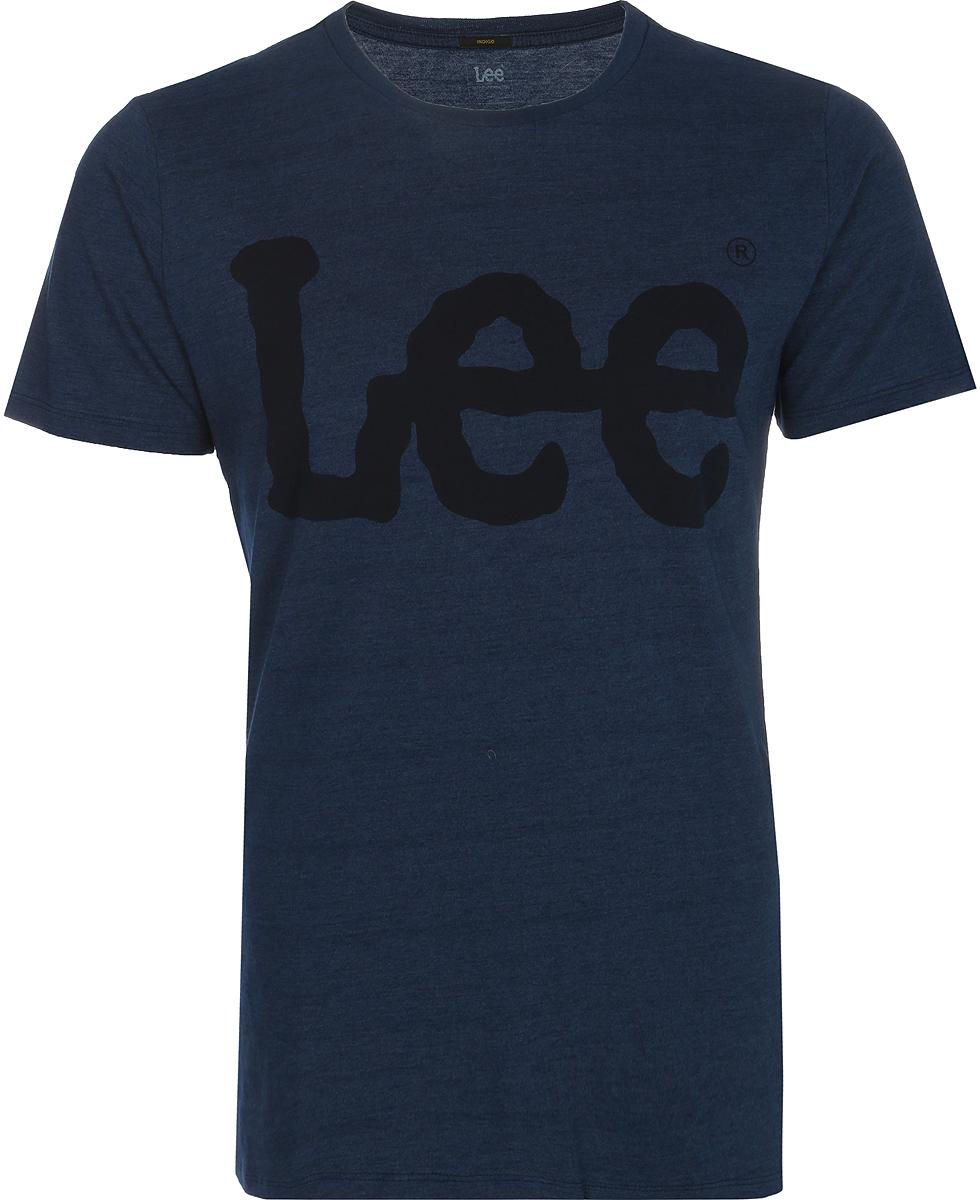 Футболка мужская Lee, цвет: синий. L62ADPDK. Размер XXL (54)L62ADPDKМужская футболка Lee изготовлена из натурального хлопка. Модель с круглым вырезом горловины и короткими рукавами. На груди футболка дополнена надписью с названием бренда.