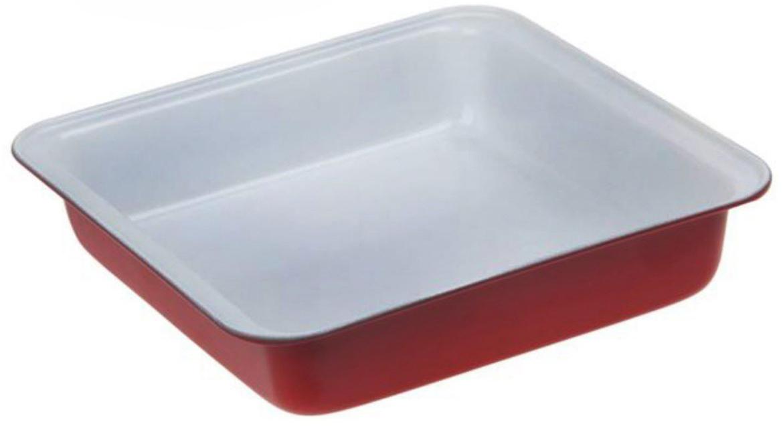 Форма для выпечки Доляна Флери. Квадрат, с антипригарным покрытием, цвет: белый, красный, 22 х 22 х 5 см118277_белый, красныйФорма с антипригарным покрытием пригодится каждому повару, который привык готовить быстро и вкусно. Достоинства предмета Материал — углеродистая сталь — отличается особой прочностью и сохраняет все эксплуатационные свойства при температуре до +450 °С. Эффективное теплораспределение ускоряет процесс готовки. Антипригарное покрытие оберегает блюда от пригорания и сокращает расход масла. Поверхность не впитывает запахов и не вступает в реакции с продуктами питания. Форма легко отмывается. При аккуратном использовании изделие прослужит долгие годы. Рекомендуется избегать применения металлических предметов, губок и высокоабразивных моющих средств. Перед первым использованием тщательно промойте форму.