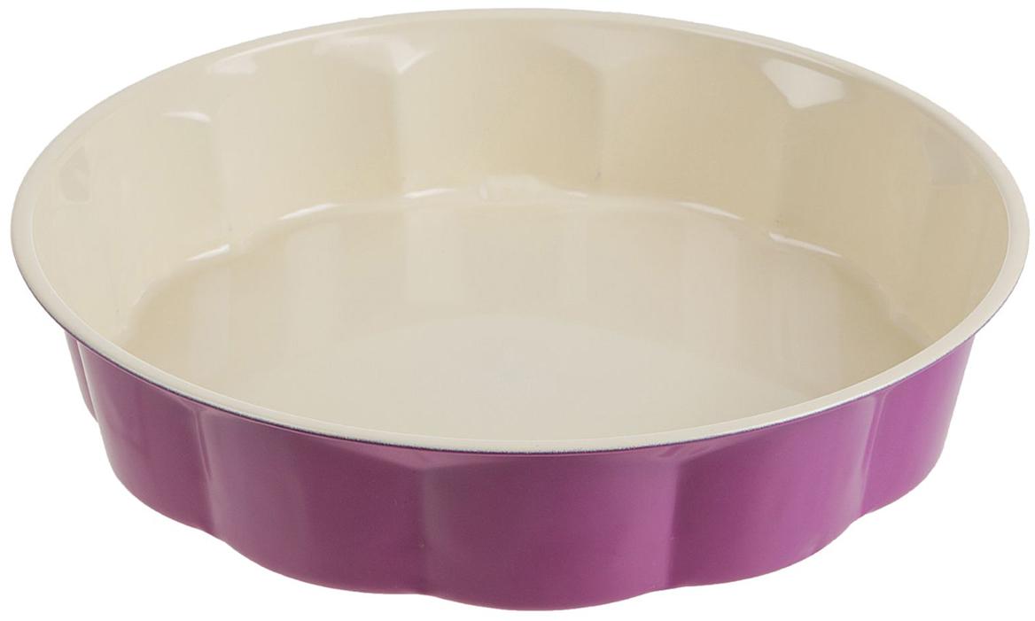 Форма для выпечки Доляна Волнистый круг. Флери, с керамическим покрытием, цвет: бежевый, сиреневый, 28 х 5,5 см774839_бежевый, сиреневыйФорма для выпечки с керамическим покрытием — один из самых важных предметов на кухне хорошей хозяйки. С качественной посудой радовать домашних пирогами, кексами, запеканками и прочей вкуснятиной вы сможете хоть каждый день! Достоинства изделия: равномерно распределяет тепло по всей внутренней поверхности; предотвращает пригорание пищи; способствует ее быстрому приготовлению; обладает стильным внешним видом. Кроме того, предмет не впитывает запахов и позволяет легко вынимать готовый продукт. Прочный корпус защищает изделие от внешней деформации. Рекомендуется избегать перепадов температуры: ставьте форму только в холодную или теплую духовку. Не допускайте падений и не используйте высокоабразивные моющие средства (это защитит глазурь от сколов и царапин).