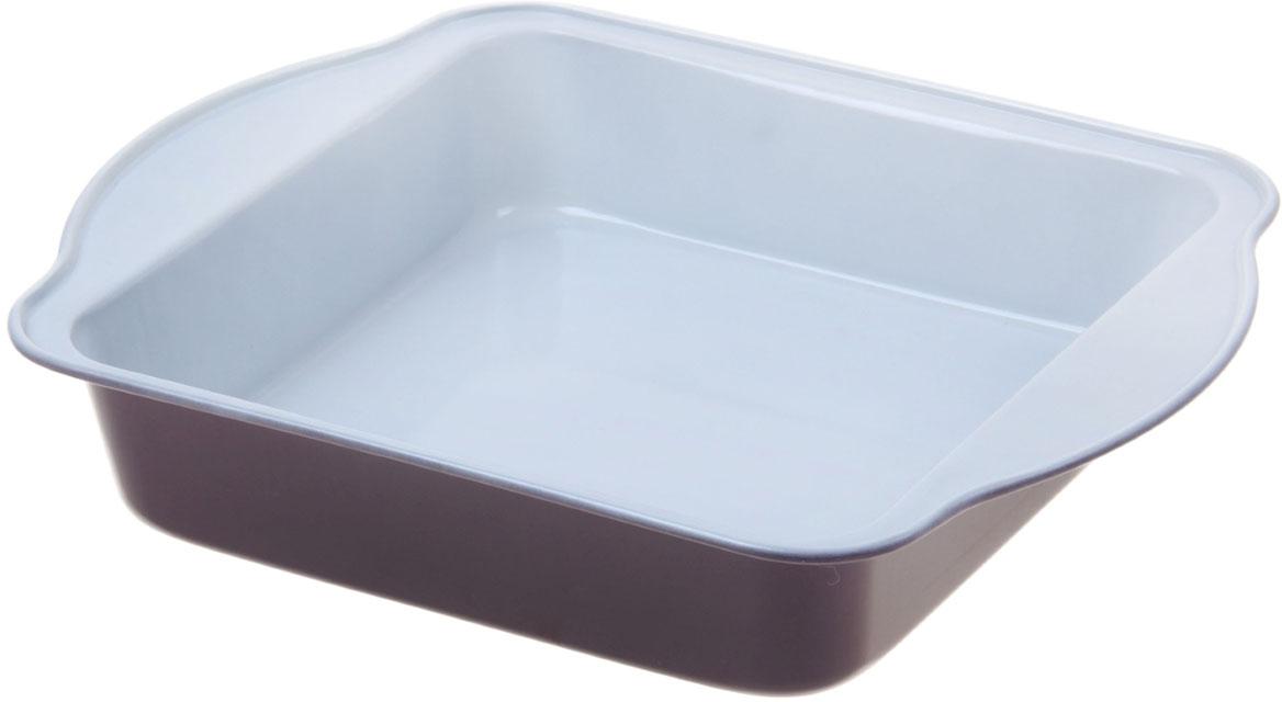 Форма для выпечки Доляна Квадрат. Флери, с керамическим покрытием, цвет: белый, коричневый, 27 х 22 х 4,5 см774840_белый, коричневыйФорма для выпечки с керамическим покрытием — один из самых важных предметов на кухне хорошей хозяйки. С качественной посудой радовать домашних пирогами, кексами, запеканками и прочей вкуснятиной вы сможете хоть каждый день! Достоинства изделия: равномерно распределяет тепло по всей внутренней поверхности; предотвращает пригорание пищи; способствует ее быстрому приготовлению; обладает стильным внешним видом. Кроме того, предмет не впитывает запахов и позволяет легко вынимать готовый продукт. Прочный корпус защищает изделие от внешней деформации. Рекомендуется избегать перепадов температуры: ставьте форму только в холодную или теплую духовку. Не допускайте падений и не используйте высокоабразивные моющие средства (это защитит глазурь от сколов и царапин).