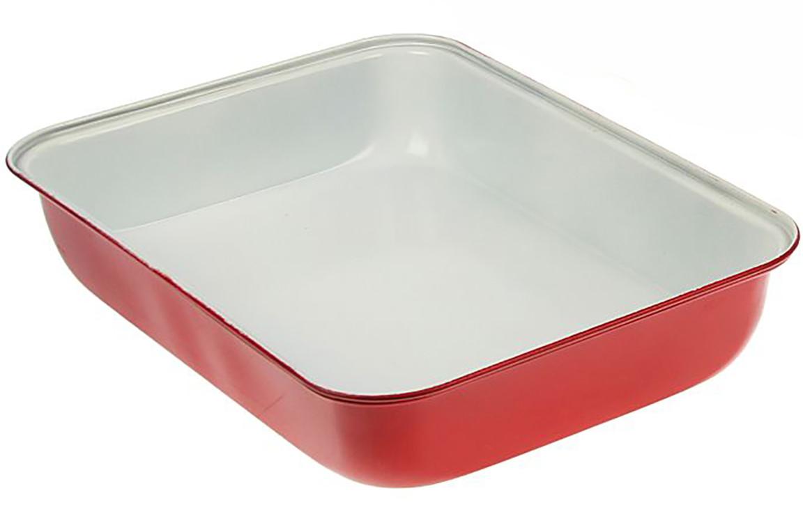 Форма для выпечки Доляна Прямоугольник. Флери, с керамическим покрытием, цвет: белый, красный, 34 х 24 х 5 см1046820_белый, красныйФорма для выпечки с керамическим покрытием — один из самых важных предметов на кухне хорошей хозяйки. С качественной посудой радовать домашних пирогами, кексами, запеканками и прочей вкуснятиной вы сможете хоть каждый день! Достоинства изделия: равномерно распределяет тепло по всей внутренней поверхности; предотвращает пригорание пищи; способствует ее быстрому приготовлению; обладает стильным внешним видом. Кроме того, предмет не впитывает запахов и позволяет легко вынимать готовый продукт. Прочный корпус защищает изделие от внешней деформации. Рекомендуется избегать перепадов температуры: ставьте форму только в холодную или теплую духовку. Не допускайте падений и не используйте высокоабразивные моющие средства (это защитит глазурь от сколов и царапин).