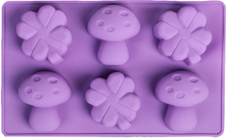 Форма для выпечки Доляна Гриб и клевер, цвет: фиолетовый, 6 ячеек, 17 х 28 х 3,5 см858122_фиолетовыйФорма для выпечки из силикона — современное решение для практичных и радушных хозяек. Оригинальный предмет позволяет готовить вкуснейшую выпечку — кексы, запеканки и печенье. Почему это изделие должно быть на кухне? блюдо сохраняет нужную форму и легко отделяется от стенок после приготовления; высокая термостойкость (от –40 до 230 ?) позволяет применять форму в духовых шкафах и морозильных камерах; небольшая масса делает эксплуатацию предмета простой даже для хрупкой женщины; силикон пригоден для посудомоечных машин; высокопрочный материал делает форму долговечным инструментом; при хранении предмет занимает мало места. Советы по использованию формы Перед первым применением промойте предмет теплой водой. В процессе приготовления используйте кухонный инструмент из дерева, пластика или силикона. Перед извлечением блюда из силиконовой формы дайте ему немного остыть, осторожно отогните края предмета. Готовьте с удовольствием!