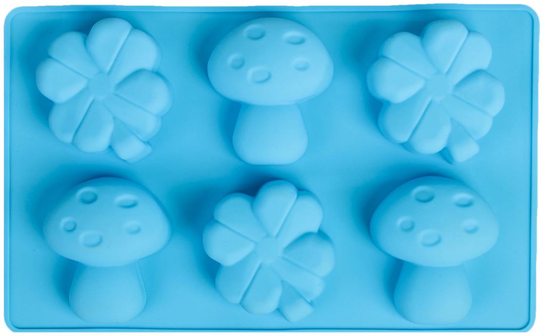Форма для выпечки Доляна Гриб и клевер, цвет: голубой, 6 ячеек, 17 х 28 х 3,5 см858122_голубойФорма для выпечки из силикона — современное решение для практичных и радушных хозяек. Оригинальный предмет позволяет готовить вкуснейшую выпечку — кексы, запеканки и печенье. Почему это изделие должно быть на кухне? блюдо сохраняет нужную форму и легко отделяется от стенок после приготовления; высокая термостойкость (от –40 до 230 ?) позволяет применять форму в духовых шкафах и морозильных камерах; небольшая масса делает эксплуатацию предмета простой даже для хрупкой женщины; силикон пригоден для посудомоечных машин; высокопрочный материал делает форму долговечным инструментом; при хранении предмет занимает мало места. Советы по использованию формы Перед первым применением промойте предмет теплой водой. В процессе приготовления используйте кухонный инструмент из дерева, пластика или силикона. Перед извлечением блюда из силиконовой формы дайте ему немного остыть, осторожно отогните края предмета. Готовьте с удовольствием!