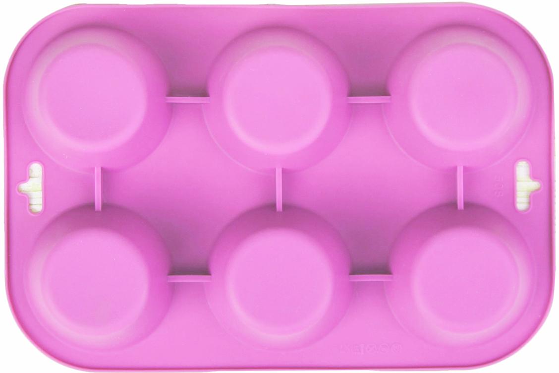 Форма для выпечки Доляна Круг, цвет: розовый, 6 ячеек, 24 х 17 х 3 см1000338_розовыйФорма для выпечки из силикона — современное решение для практичных и радушных хозяек. Оригинальный предмет позволяет готовить в духовке любимые блюда из мяса, рыбы, птицы и овощей, а также вкуснейшую выпечку. Почему это изделие должно быть на кухне? блюдо сохраняет нужную форму и легко отделяется от стенок после приготовления; высокая термостойкость (от –40 до 230 ?) позволяет применять форму в духовых шкафах и морозильных камерах; небольшая масса делает эксплуатацию предмета простой даже для хрупкой женщины; силикон пригоден для посудомоечных машин; высокопрочный материал делает форму долговечным инструментом; при хранении предмет занимает мало места. Советы по использованию формы Перед первым применением промойте предмет теплой водой. В процессе приготовления используйте кухонный инструмент из дерева, пластика или силикона. Перед извлечением блюда из силиконовой формы дайте ему немного остыть, осторожно отогните края предмета. Готовьте с удовольствием!