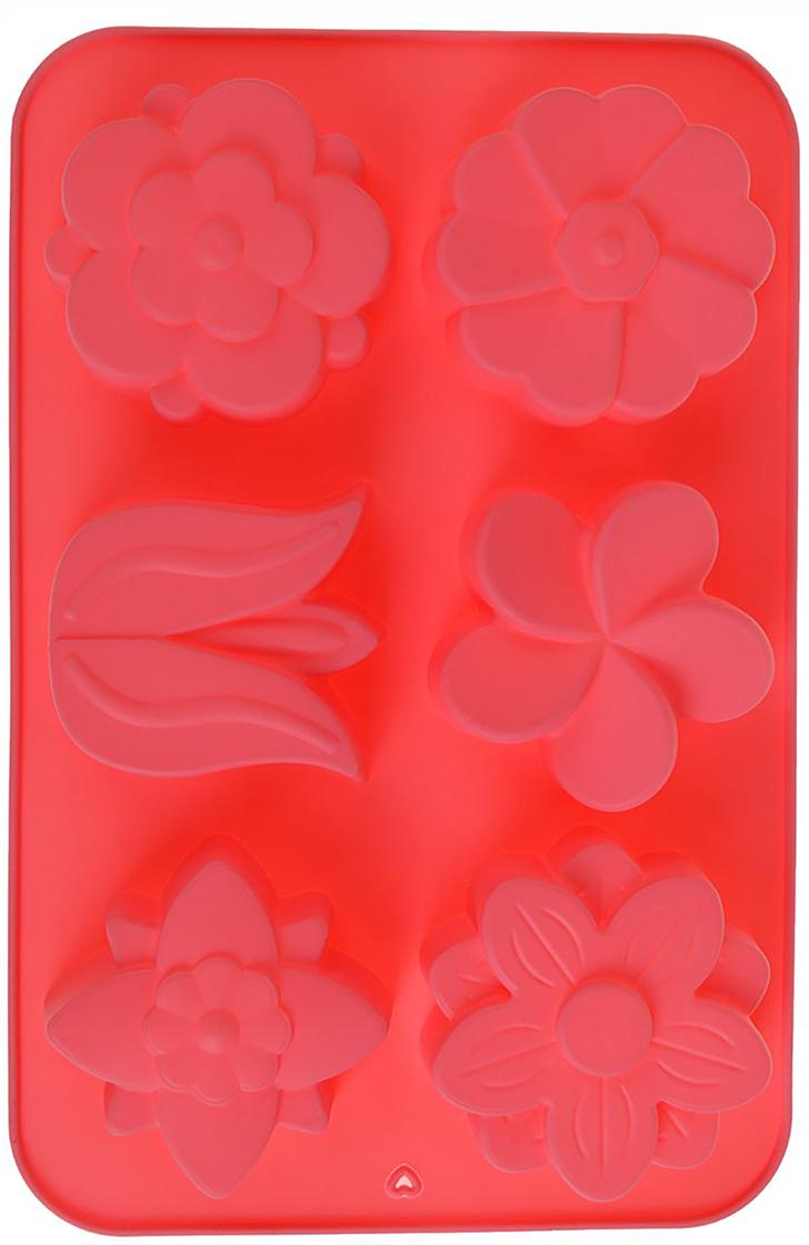 Форма для выпечки Доляна Колокольчик, незабудка, цвет: красный, 6 ячеек, 26 х 17 х 3 см2389228_красныйФорма для выпечки из силикона — современное решение для практичных и радушных хозяек. Оригинальный предмет позволяет готовить вкуснейшую выпечку — кексы, запеканки и печенье. Почему это изделие должно быть на кухне? блюдо сохраняет нужную форму и легко отделяется от стенок после приготовления; высокая термостойкость (от –40 до 230 ?) позволяет применять форму в духовых шкафах и морозильных камерах; небольшая масса делает эксплуатацию предмета простой даже для хрупкой женщины; силикон пригоден для посудомоечных машин; высокопрочный материал делает форму долговечным инструментом; при хранении предмет занимает мало места. Советы по использованию формы Перед первым применением промойте предмет теплой водой. В процессе приготовления используйте кухонный инструмент из дерева, пластика или силикона. Перед извлечением блюда из силиконовой формы дайте ему немного остыть, осторожно отогните края предмета. Готовьте с удовольствием!