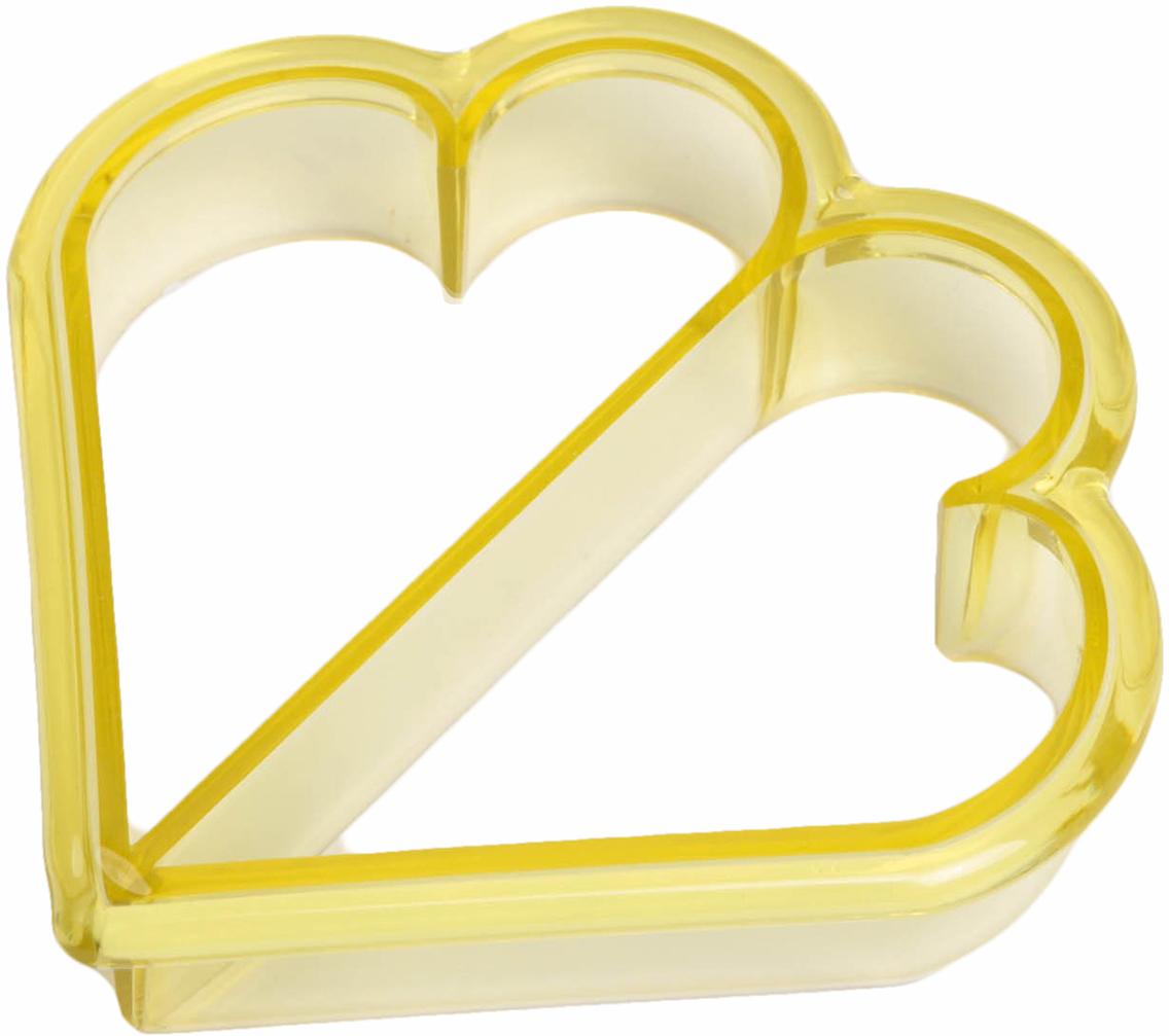 Форма для вырезания бутербродов Доляна Сердечки, цвет: желтый, 11 х 11 см836782_желтыйОт качества посуды зависит не только вкус еды, но и здоровье человека. Форма для бутербродов 11х11 см Сердечки — товар, соответствующий российским стандартам качества. Любой хозяйке будет приятно держать его в руках. С нашей посудой и кухонной утварью приготовление еды и сервировка стола превратятся в настоящий праздник.