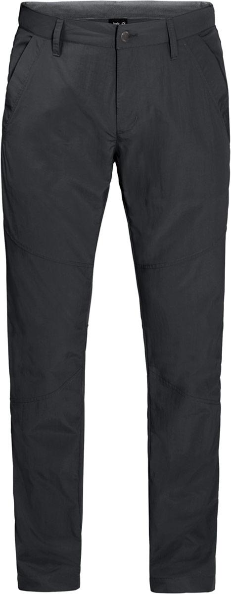 Брюки мужские Jack Wolfskin Desert Valley Pants, цвет: темно-серый. 1504871-6350. Размер 561504871-6350В малонаселенном районе Австралии или где-нибудь поближе к дому, когда стрелка термометра переваливает за 30 градусов, брюки Desert Valley Pants от Jack Wolfskin станут настоящей находкой. Самые легкие брюки идеально подходят для путешествий в жаркую погоду. Ткань Сапплекс дарит ощущение комфорта и блокирует солнечные лучи. И если солнце внезапно исчезнет за тучами и хлынет ливень, это не проблема - брюки мгновенно высохнут. Это очень практичное свойство для путешествий. После быстрой стирки вечером они моментально высохнут - наутро их можно снова надевать и отправляться навстречу новым приключениям.