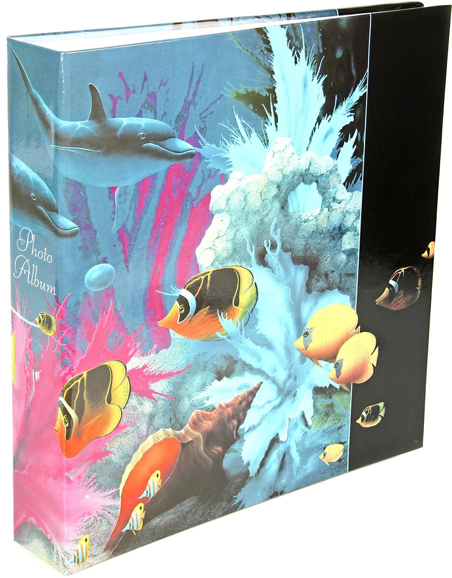Фотоальбом Pioneer Dolphins Дельфин, рыбки, ракушки, 500 фотографий, 10 х 15 см51443 AV46500 3-OФотоальбом Pioneer Дельфин, рыбки, ракушки позволит вам запечатлеть незабываемые моменты вашей жизни, сохранить свои истории и воспоминания на его страницах.Альбом для фотографий формата 10х15 см.На странице размещаются 5 фотографий: 3 горизонтально и 2 вертикально.Количество страниц: 100.Количество фото: 500.Крепление фото: кармашки.Максимальный размер фото: 10х15 см.Материал обложки: ламинированный картон.Материал страниц: пластик.Переплет: на кольцах.Размер альбома: 33х34.5 см.Материалы, использованные в изготовлении альбома, обеспечивают высокое качество хранения ваших фотографий, поэтому фотографии не желтеют со временем.