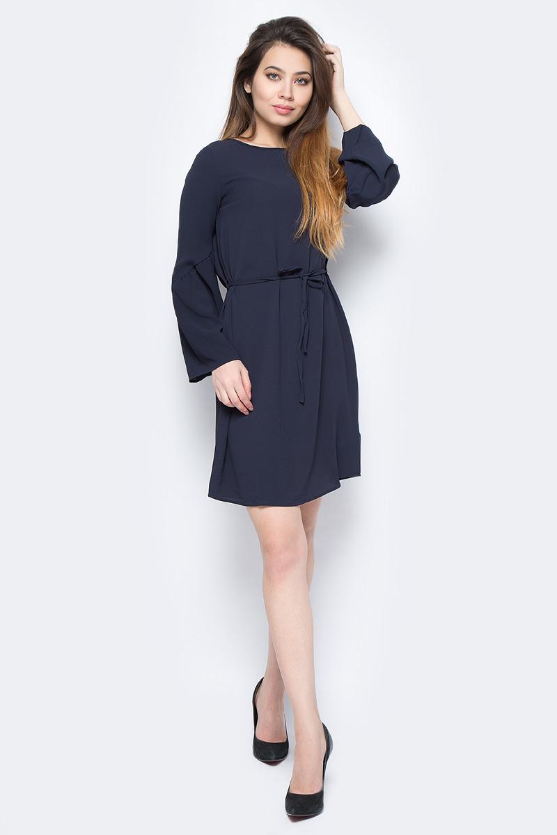 Платье Vero Moda, цвет: синий. 10190660_Night Sky. Размер XS (40)10190660_Night SkyПлатье от Vero Moda выполнено из струящегося материала. Модель с длинными свободными рукавами и круглым вырезом горловины на талии дополнена тонким текстильным пояском.