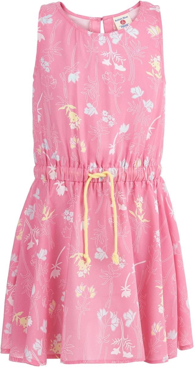 Платье для девочки Button Blue, цвет: розовый. 118BBGC25021214. Размер 158118BBGC25021214Яркое красивое платье Button Blue с орнаментом из полевых цветов - прекрасная одежда на лето для девочки. Платье, изготовленное из легкого струящегося материала, удобно сидит и не стесняет движений. Изделие застегивается на пуговицу на спинке и дополнено вшитым пояском, подчеркивающим талию.Модель поможет создать нежный образ, способный покорить всех окружающих.