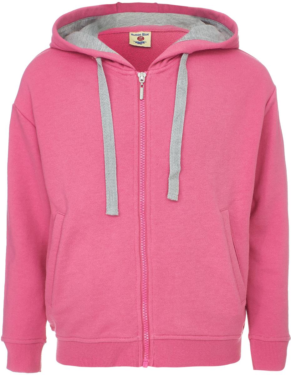 Толстовка для девочки Button Blue, цвет: розовый. 118BBGC16011200. Размер 116118BBGC16011200Трикотажная толстовка - практичная и удобная одежда для девочки, в которой не только комфортно, но и уютно. Модель с длинными рукавами и капюшоном застегивается на молнию, по бокам дополнена карманами. Надпись на спине, сделанная стильными шрифтами, добавляет модели характера. Толстовка подходит к самой разной одежде и идеальна для прохладной погоды.