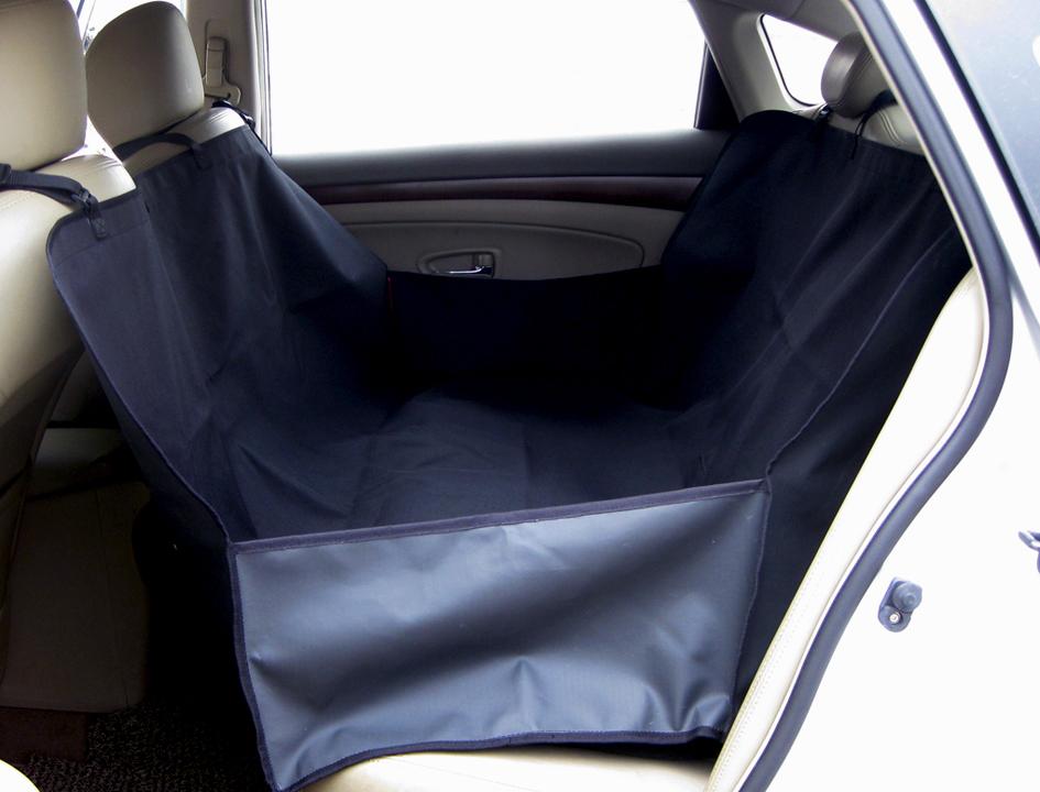 Подстилка для животных Fauna, на сидение автомобиля, 160 х 130 смOPP01Синтетическая полость-гамак для перевозки собак на заднем сиденииавтомобиля. Защищает сиденье от грязи и шерсти. Надежно крепится кподголовникам. Водонепроницаемое, грязеотталкивающее покрытие.