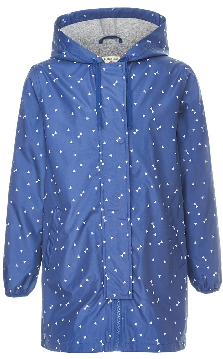 Ветровка для девочки Button Blue, цвет: темно-синий. 118BBGC40031013. Размер 146118BBGC40031013Длинная ветровка для девочки - альтернатива классической куртке-ветровке, подходящая для дождливой прохладной погоды. Модель с длинными рукавами и капюшоном застегивается на молнии и дополнительно имеет ветрозащитный клапан. Купить дешево детскую ветровку от Button Blue - значит приобрести практичную и удобную вещь, которая покорит своими характеристиками и понравится дизайном. У куртки имеется подкладка из хлопка, благодаря чему обеспечивается дополнительный комфорт.