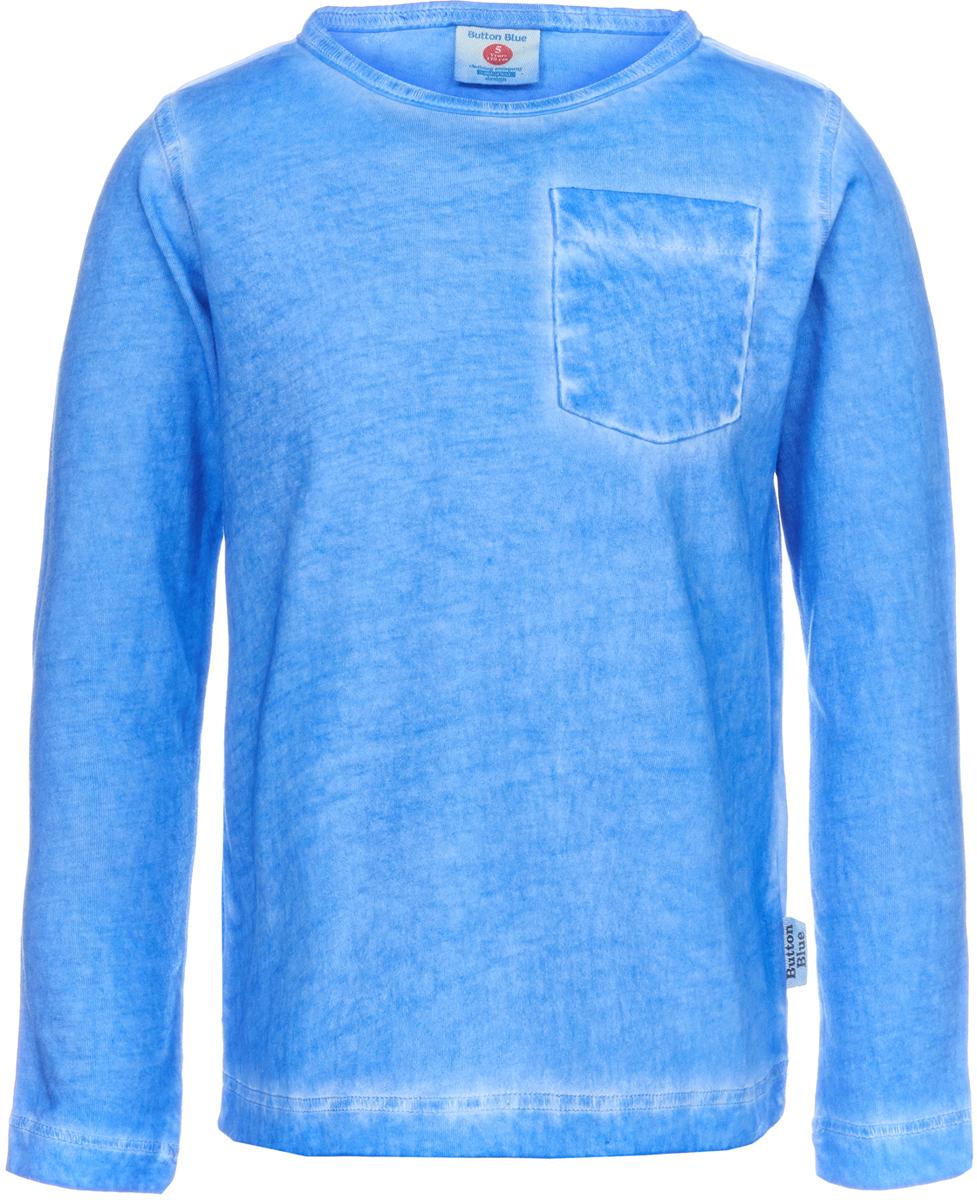 Футболка с длинным рукавом для мальчика Button Blue, цвет: синий. 118BBBC12043700. Размер 140118BBBC12043700Хлопковая футболка с длинным рукавом от Button Blue - качественная и стильная вещь для детского гардероба. Однотонную модель легко сочетать с разной одеждой, составляя новые образы каждый день. Модель прямого кроя выполнена из приятной на ощупь ткани и дополнена накладным карманом. Футболка не стесняет движений и дарит только комфорт.