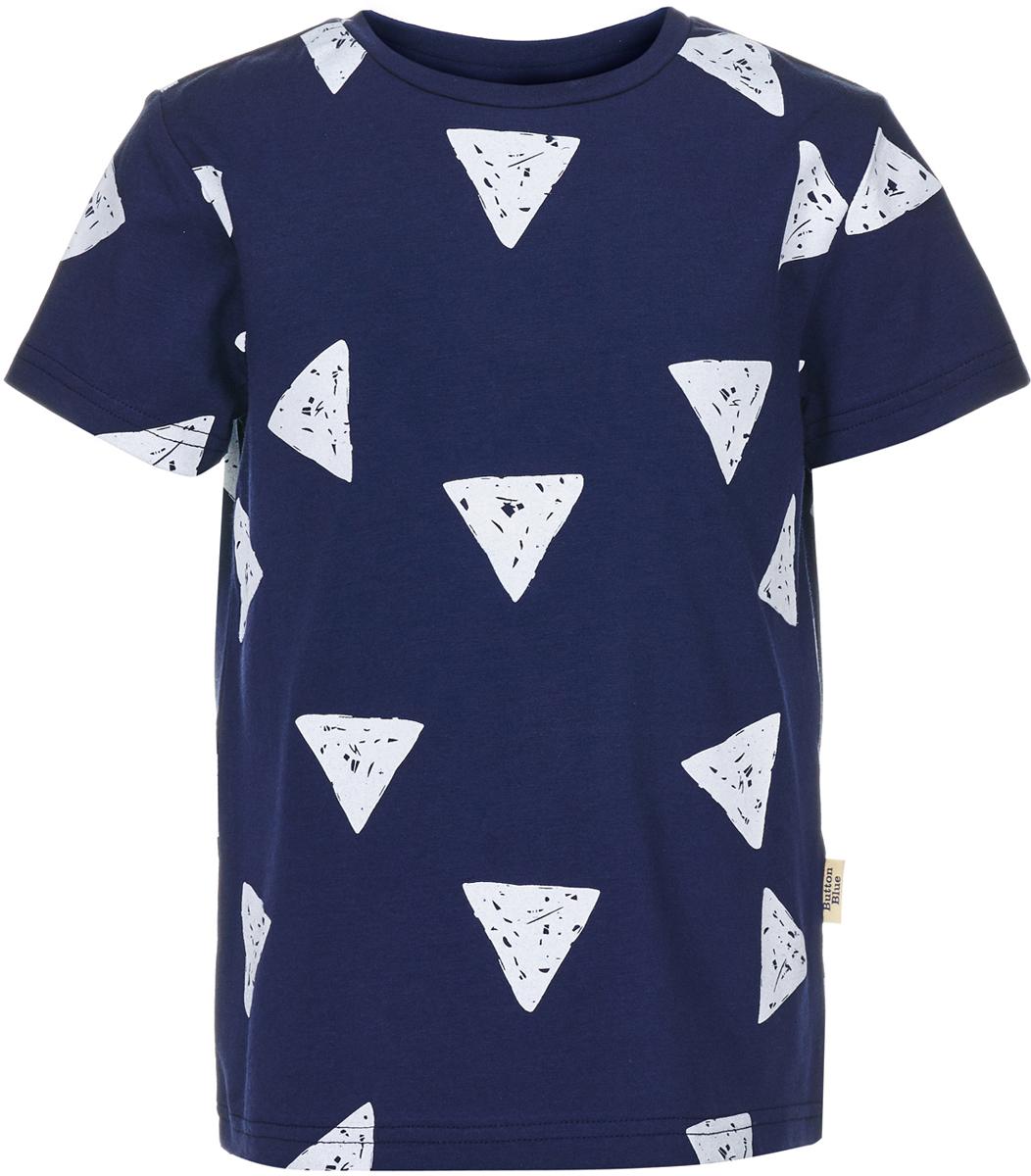 Футболка для мальчика Button Blue, цвет: темно-синий. 118BBBC12081009. Размер 152118BBBC12081009Чтобы порадовать юного модника, ему можно купить футболку для мальчика от Button Blue, украшенную оригинальным орнаментом из треугольников. Трикотажная футболка с коротким рукавом станет отличной основой многих летних образов. Она изготовлена из мягкой легкой ткани - джерси, которая дарит только комфорт и приятные ощущения.