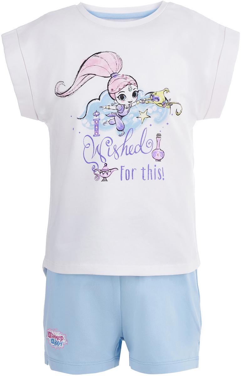 Пижама для девочки Button Blue Шиммер и Шайн, цвет: белый, голубой. 118BBGL97031800. Размер 98118BBGL97031800Одежда для сна должна быть максимально комфортной и удобной, но и значение дизайна нельзя недооценивать! Чтобы девочке было не только уютно, но и приятно ложиться спать, подарите ей пижаму от Button Blue с изображениями популярных персонажей. Модель украшают акварельные рисунки Шиммер и Шайн - близняшек-джиннов из одноименного мультсериала. Пижама, состоящая из футболки и шорт, изготовлена из эластичного хлопка и отличается высоким качеством.