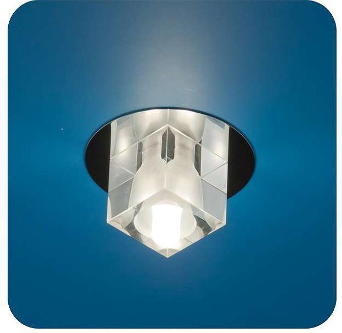 Светильник встраиваемый ITALMAC Ice 12 3 05, куб, цвет: хром, G4. IT8064IT8064Встраиваемые светильники светодиодные (точечные) позволяют освещать труднодоступные зоны, создают акценты на определенные элементы, что помогает дизайнеру решать различные задачи в оформлении интерьера. Эти широкие возможности точечных элементов освещения позволили им завоевать такую огромную популярность.