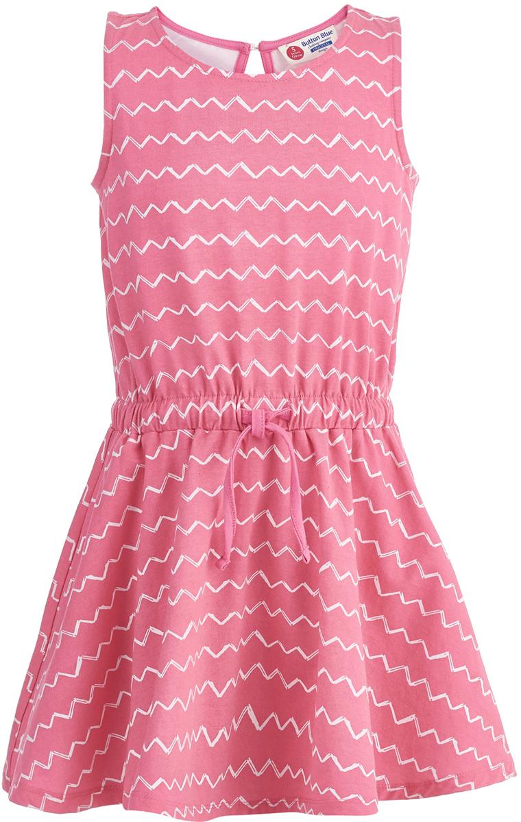 Платье для девочки Button Blue, цвет: розовый. 118BBGC50021213. Размер 110118BBGC50021213Легкое летнее платье - та вещь, без которой не обойдется ни один гардероб для девочки. Модель без рукавов и с круглым вырезом горловины на спинке застегивается на пуговицу. Платье изготовлено из хлопка и эластана, она прекрасно сидит по фигуре, имеет удобную свободную форму и модный дизайн.