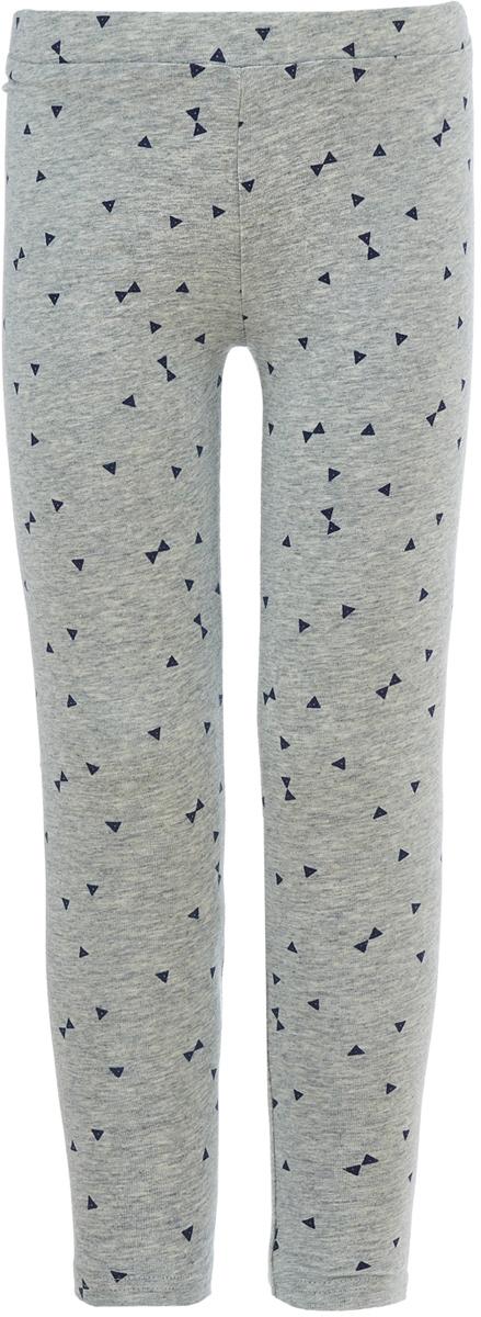 Леггинсы для девочки Button Blue, цвет: серый. 118BBGC13011913. Размер 140118BBGC13011913Детские леггинсы - удобная и практичная одежда для лета. леггинсы для девочки, значит обеспечить ее модным и функциональным предметом гардероба, который можно носить с повседневной одеждой или использовать для занятий спортом. Трикотажные леггинсы идеально сочетаются с юбками и платьями, а также со многими другими вещами.