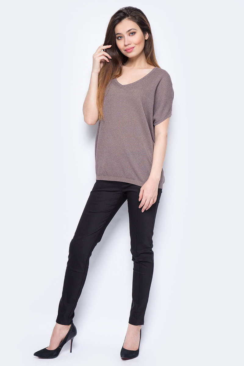 Джемпер женский Sela, цвет: коричневый. JRs-114/697-8111. Размер L (48)JRs-114/697-8111Джемпер женский Sela выполнен из вискозы и полиэстера. Модель с V-образным вырезом горловины и короткими рукавами.