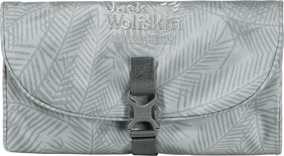Дорожная косметичка Jack Wolfskin Mini Waschsalon, цвет: серый. 86150-800386150-8003Дорожная косметичка Jack Wolfskin Mini Waschsalon - это компактная версия классического несессера. Изделие можно компактно свернуть и аккуратно упаковать. Специальная петля позволяет подвесить ее на вешалку для полотенец (или удобное дерево). Несессер надежно закрывается на застежку.