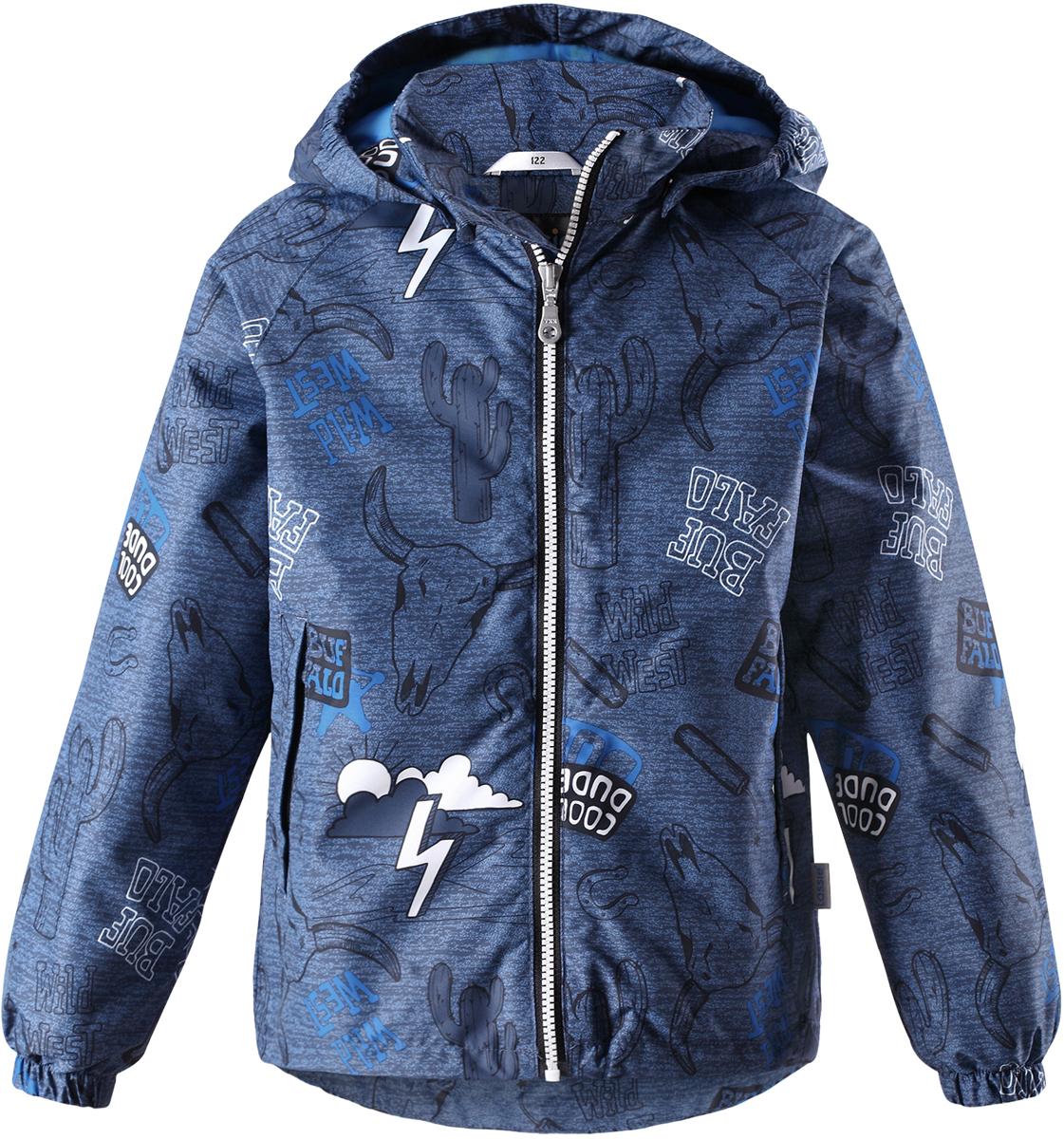 Куртка для мальчика Lassie, цвет: синий. 721725R6611. Размер 128721725R6611Детская куртка Lassie идеально подойдет для ребенка в холодное время года. Куртка изготовлена из водоотталкивающей и ветрозащитной ткани. Материал отличается высокой устойчивостью к трению, благодаря специальной обработке полиуретаном поверхность изделия отталкивает грязь и воду, что облегчает поддержание аккуратного вида одежды, дышащее покрытие с изнаночной части не раздражает даже самую нежную и чувствительную кожу ребенка, обеспечивая ему наибольший комфорт. Куртка застегивается на пластиковую застежку-молнию с защитой подбородка, благодаря чему ее легко надевать и снимать. Края рукавов дополнены неширокими эластичными манжетами. Также модель дополнена светоотражающими элементами для безопасности в темное время суток. Все швы проклеены, не пропускают влагу и ветер.