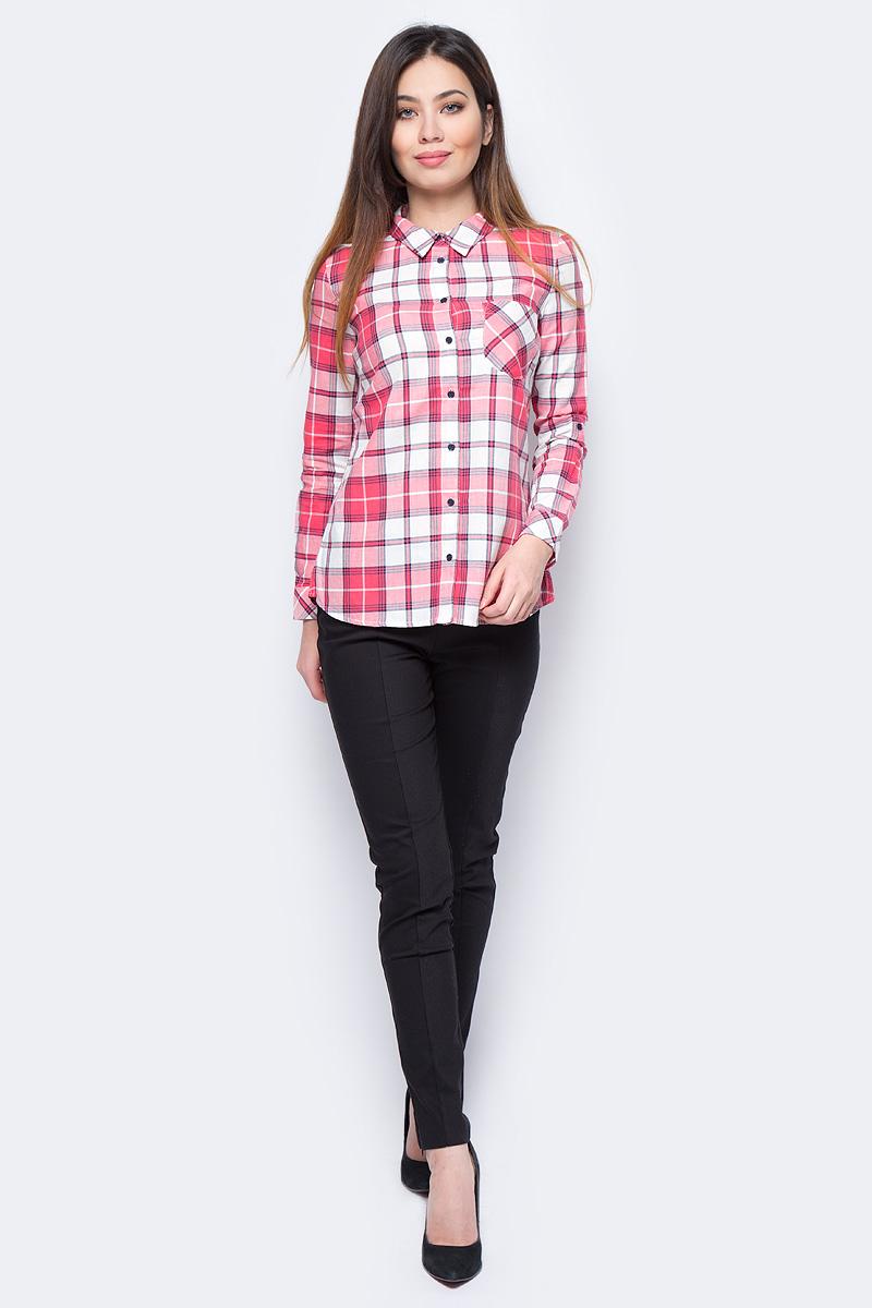 Рубашка женская Sela, цвет: красный. B-312/025-8131. Размер 46B-312/025-8131Стильная женская рубашка Sela, выполненная из высококачественного материала, подчеркнет ваш уникальный стиль и поможет создать оригинальный образ. Модель с длинными рукавами и отложным воротником застегивается на пуговицы спереди. Манжеты рукавов также застегиваются на пуговицы. На груди модель дополнена карманом.