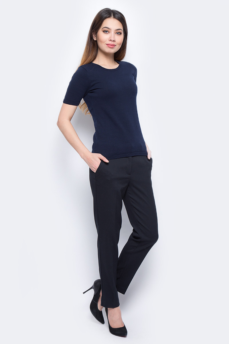 Брюки женские Sela, цвет: черный. P-115/176-8111. Размер 46P-115/176-8111Стильные женские брюки Sela созданы специально для того, чтобы подчеркивать достоинства вашей фигуры. Брюки застегиваются на комбинированную застежку, имеются шлевки для ремня.Эти модные и в тоже время комфортные брюки послужат отличным дополнением к вашему гардеробу.