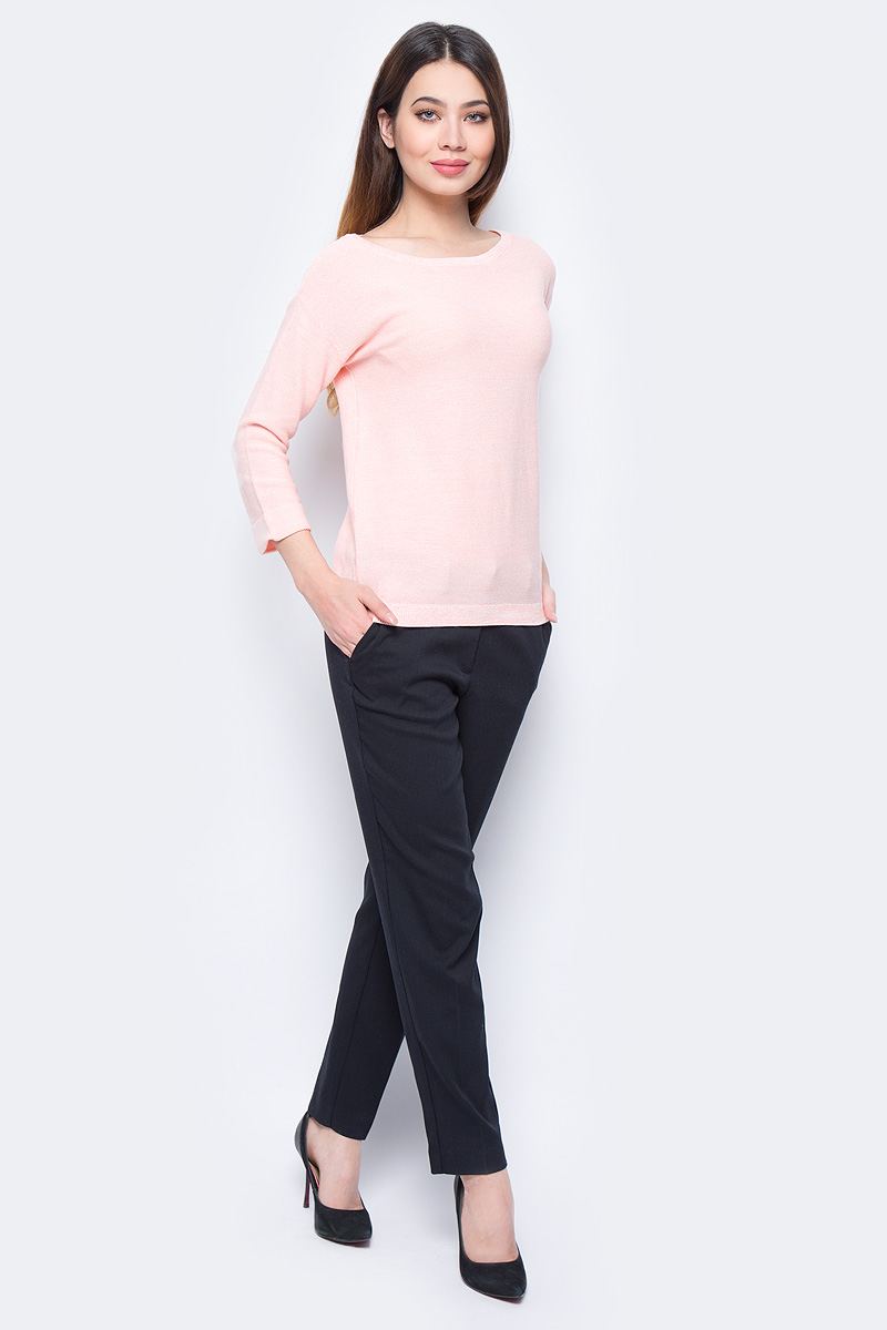 Джемпер женский Sela, цвет: светло-розовый. JR-114/698-8111. Размер S (44)JR-114/698-8111Стильный джемпер Sela изготовлен из хлопка с добавлением акрила. Модель имеет круглый вырез горловины и рукава 3/4. Джемпер выполнен в однотонном дизайне.