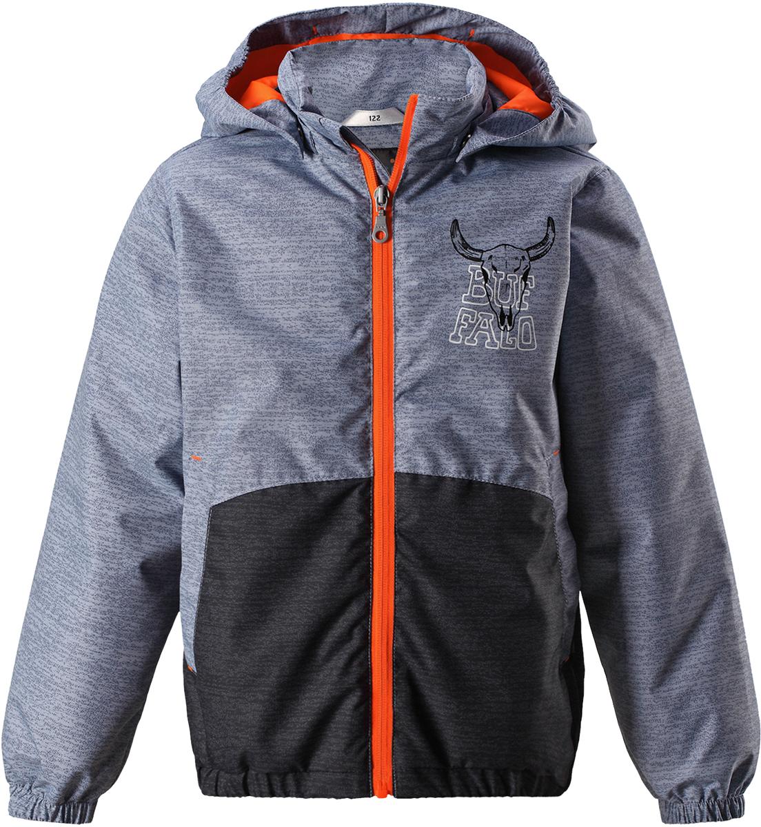 Куртка для мальчика Lassie, цвет: серый. 721727R9121. Размер 128721727R9121Детская куртка Lassie идеально подойдет для ребенка в холодное время года. Куртка изготовлена из водоотталкивающей и ветрозащитной ткани. Материал отличается высокой устойчивостью к трению, благодаря специальной обработке полиуретаном поверхность изделия отталкивает грязь и воду, что облегчает поддержание аккуратного вида одежды, дышащее покрытие с изнаночной части не раздражает даже самую нежную и чувствительную кожу ребенка, обеспечивая ему наибольший комфорт. Куртка застегивается на пластиковую застежку-молнию с защитой подбородка, благодаря чему ее легко надевать и снимать. Края рукавов дополнены неширокими эластичными манжетами. Также модель дополнена светоотражающими элементами для безопасности в темное время суток. Все швы проклеены, не пропускают влагу и ветер.