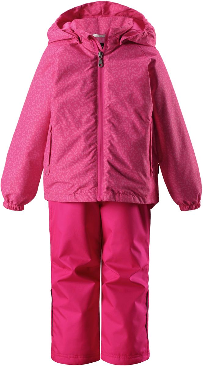 Комплект верхней одежды детский Lassie: куртка, брюки, цвет: розовый. 723723R4681. Размер 104723723R4681Сверхпрочный детский комплект Lassie состоит из куртки и брюк. Функциональная куртка изготовлена из износостойкого, дышащего, водо- и ветронепроницаемого материала с водо- и грязеотталкивающей поверхностью. Все швы проклеены, водонепроницаемы. Съемный капюшон защищает от холодного ветра, а еще обеспечивает дополнительную безопасность во время игр на улице - поскольку он легко отстегнется, если случайно за что-нибудь зацепится. Комплект снабжен гладкой подкладкой из полиэстера и светоотражателями. Полная функциональность: от повседневного комфорта до экстремальных условий.