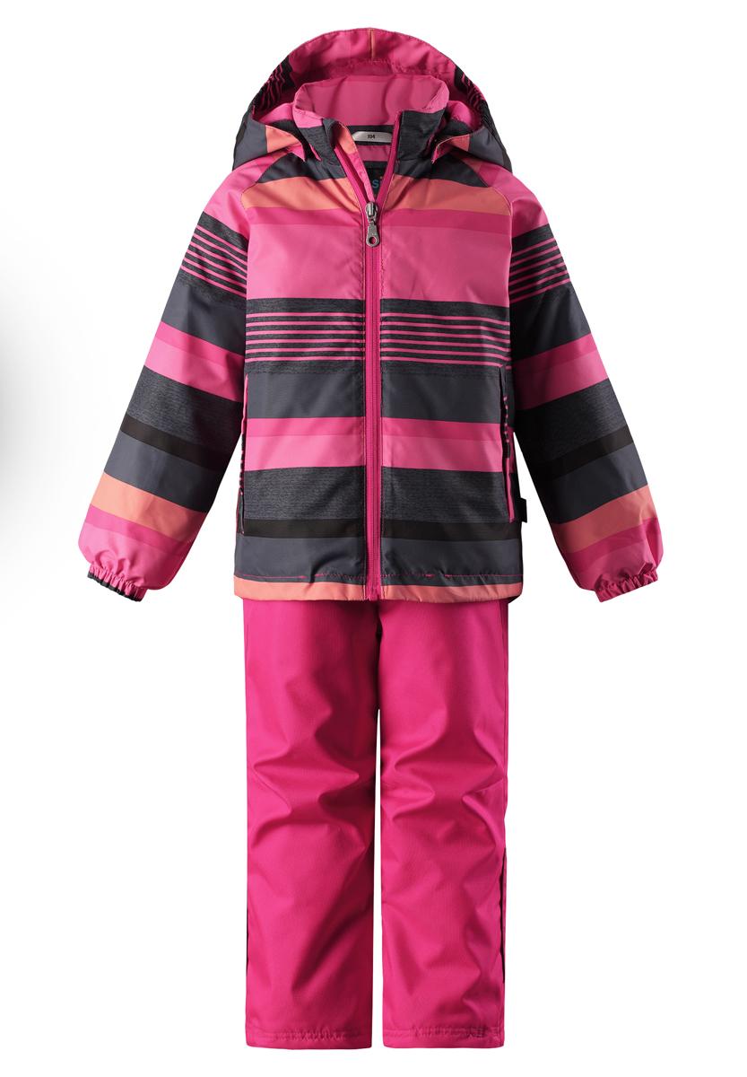 Комплект верхней одежды детский Lassie: куртка, брюки, цвет: розовый, черный. 723723R4682. Размер 122723723R4682Сверхпрочный детский комплект Lassie состоит из куртки и брюк. Функциональная куртка изготовлена из износостойкого, дышащего, водо- и ветронепроницаемого материала с водо- и грязеотталкивающей поверхностью. Все швы проклеены, водонепроницаемы. Съемный капюшон защищает от холодного ветра, а еще обеспечивает дополнительную безопасность во время игр на улице - поскольку он легко отстегнется, если случайно за что-нибудь зацепится. Комплект снабжен гладкой подкладкой из полиэстера и светоотражателями. Полная функциональность: от повседневного комфорта до экстремальных условий.