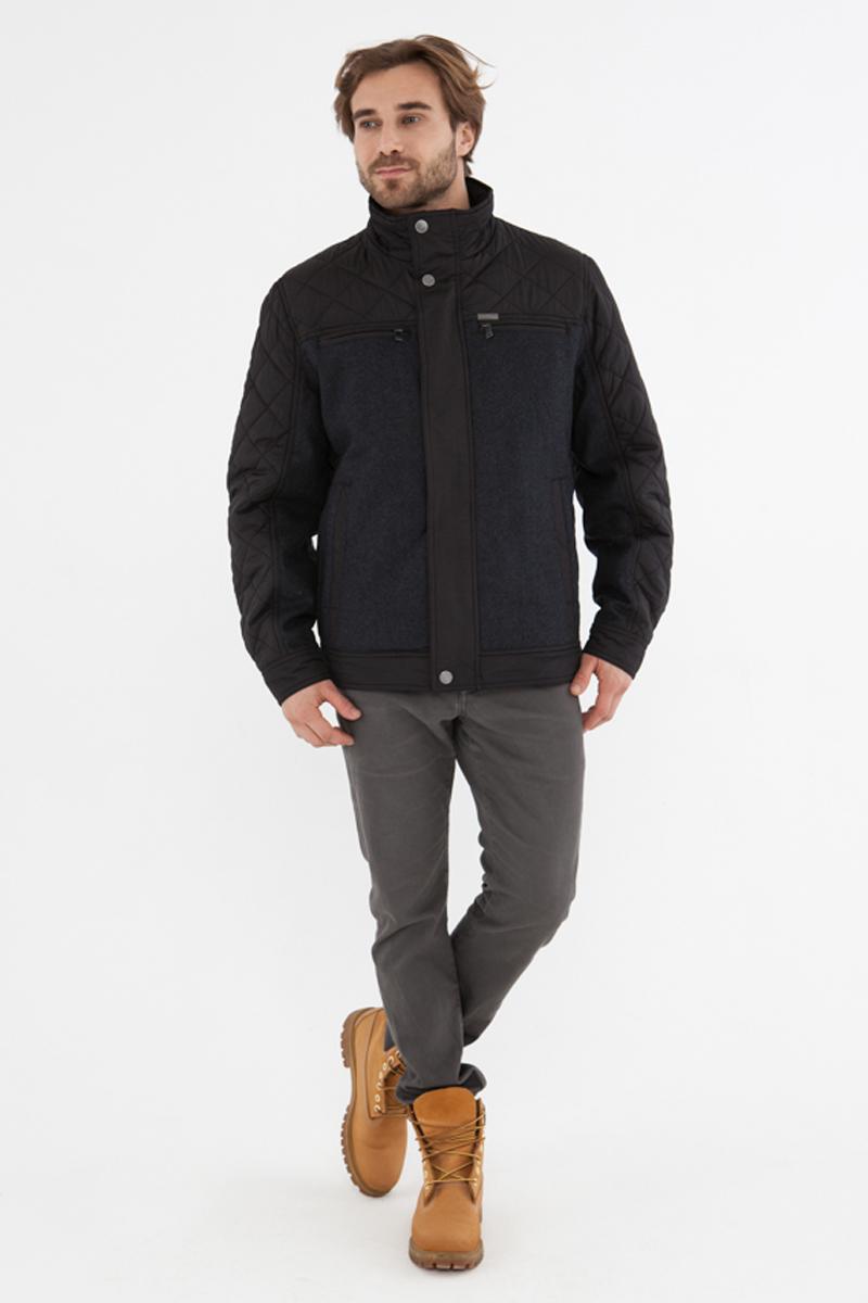 Куртка мужская Vizani, цвет: темно-синиий. 30540С_100. Размер 5030540С_100Мужская куртка Vizani выполнена из высококачественного материала. Модель с воротником-стойкой застегивается на застежку-молнию. Куртка дополнена карманами.