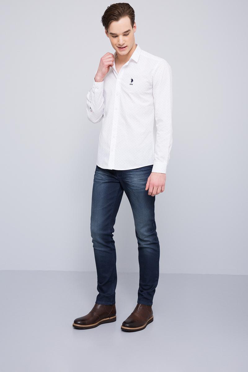 Рубашка мужская U.S. Polo Assn., цвет: белый. G081GL004ARMATOMORI. Размер L (52)G081GL004ARMATOMORIПриталенная мужская рубашка, выполненная из 100% хлопка, подчеркнет ваш уникальный стиль и поможет создать оригинальный образ. Такой материал великолепно пропускает воздух, обеспечивая необходимую вентиляцию, а также обладает высокой гигроскопичностью. Рубашка с длинными рукавами и отложным воротником застегивается на пуговицы спереди. Манжеты рукавов также застегиваются на пуговицы.