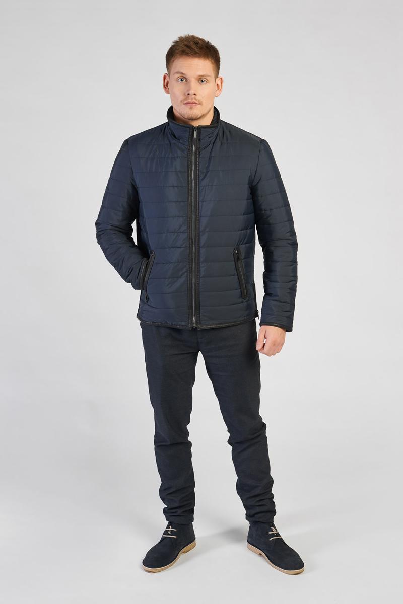 Куртка мужская Vizani, цвет: синий. 5885C_99. Размер 565885C_99Мужская куртка Vizani выполнена из высококачественного материала. Модель с воротником-стойкой застегивается на застежку-молнию. Куртка дополнена карманами на застежках-молниях.