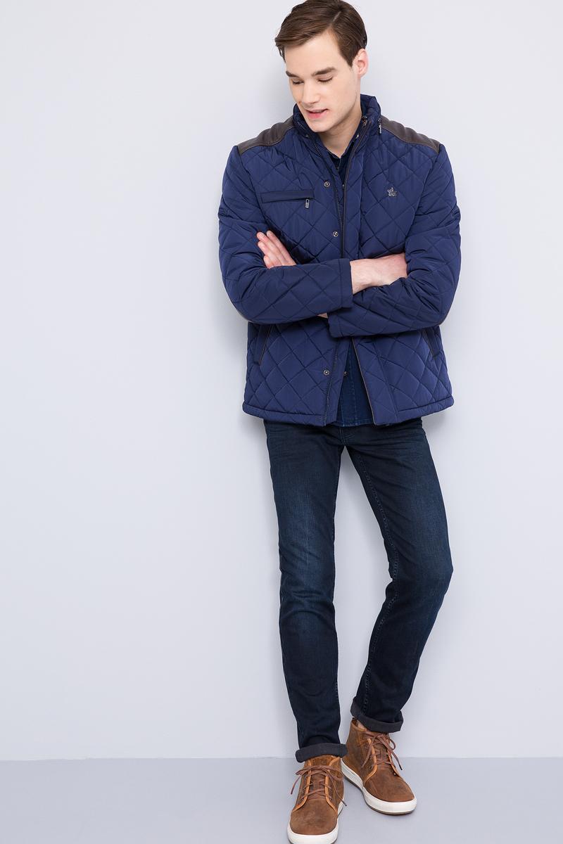 Куртка мужская U.S. Polo Assn., цвет: темно-синий. G081SZ0MS0ALENK17. Размер 52G081SZ0MS0ALENK17Стильная мужская куртка с воротником-стойкой застегивается на молнию. Имеется внешняя ветрозащитная планка на кнопках. Модель дополнена втачными боковыми карманами и втачным нагрудным карманом на молнии.