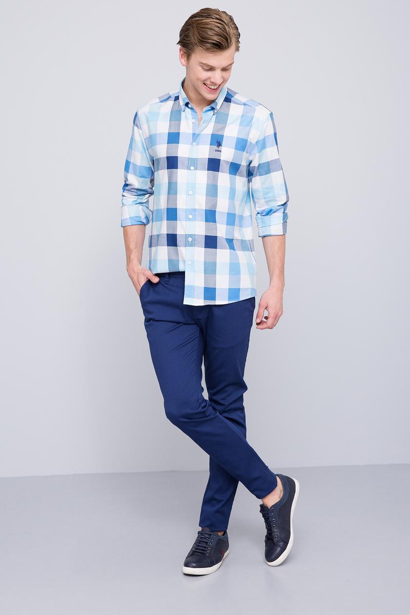 Рубашка мужская U.S. Polo Assn., цвет: голубой. G081SZ004ACTOFLORIDA. Размер XL (54)G081SZ004ACTOFLORIDAМужская рубашка, выполненная из 100% хлопка, подчеркнет ваш уникальный стиль и поможет создать оригинальный образ. Такой материал великолепно пропускает воздух, обеспечивая необходимую вентиляцию, а также обладает высокой гигроскопичностью. Рубашка с длинными рукавами и отложным воротником застегивается на пуговицы спереди. Манжеты рукавов также застегиваются на пуговицы.